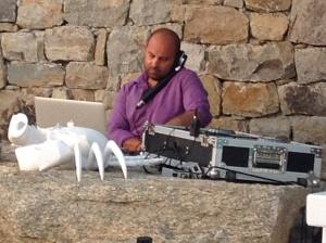 Lef our DJ